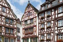 Casas medievales en Bernkastel, Alemania Imagen de archivo libre de regalías