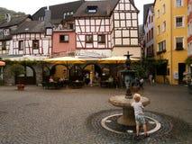 Casas medievales en Bernkastel, Alemania Foto de archivo libre de regalías