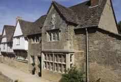 Casas medievales en la aldea de Lacock Fotos de archivo libres de regalías