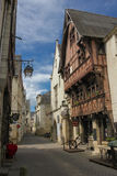 Casas medievales en la ciudad vieja Chinon francia Foto de archivo