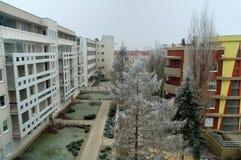 Casas modernas en invierno foto de archivo