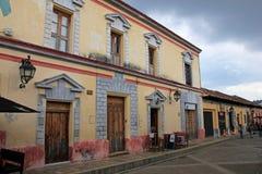 Casas na capital cultural de Chiapas, San Cristobal de Las Casas, México imagem de stock royalty free