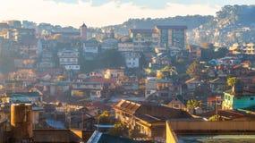Casas na cidade de Baguio, Filipinas fotografia de stock