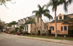Casas na montagem do centro Dora, Florida, EUA foto de stock