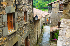 Casas na vila de montanhas Rupit mim Pruit, Catalonia Foto de Stock