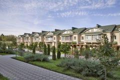 Casas na vizinhança suburbana Foto de Stock