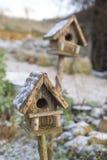 Casas nevadas Foto de archivo libre de regalías