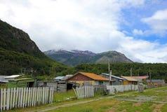 Casas no ` Higgins da casa de campo O, Carretera Austral, o Chile foto de stock royalty free