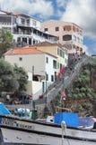Casas no montanhês em Camara de Lobos em Madeira foto de stock royalty free