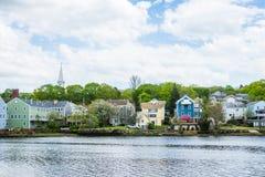 Casas no parque do rio de Quinnipiac em New Haven Connecticut foto de stock