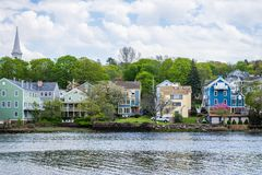 Casas no parque do rio de Quinnipiac em New Haven Connecticut fotografia de stock royalty free