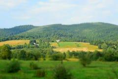 Casas nos campos foto de stock royalty free