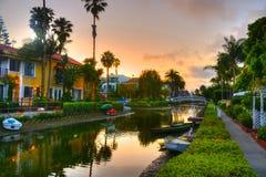 Casas nos canais da praia de Veneza em Califórnia fotografia de stock