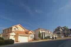 Casas nos subúrbios Fotografia de Stock Royalty Free
