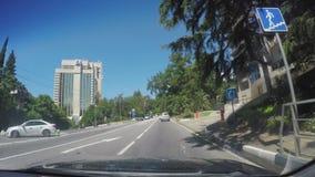 Casas novas em Sochi com os c?us brilhantes azuis no fundo Dia ensolarado, archtecture novo, casas video estoque