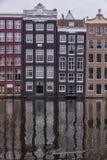 Casas pelo canal Fotografia de Stock