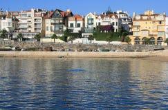 Casas por el mar Foto de archivo libre de regalías