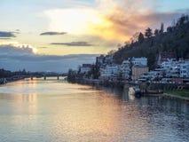 Casas por el río en Heidelberg Imagenes de archivo