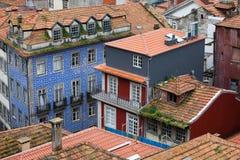 Casas portuguesas tradicionales en Oporto Imagen de archivo libre de regalías