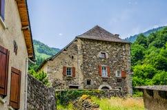 Casas rústicas na vila francesa de Borce Fotografia de Stock Royalty Free