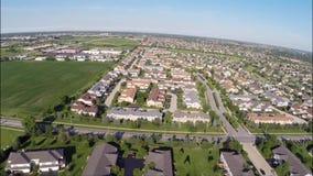 Casas residenciales desde arriba de la visión aérea de arriba metrajes