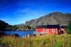 Casas rojas noruegas Imagen de archivo libre de regalías