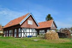 Casas rurais em Nida, Lituânia fotografia de stock royalty free