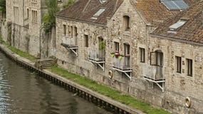 Casas sobre o rio no banho Imagens de Stock Royalty Free