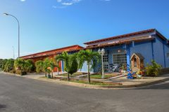 Casas suburbanas bonitas na cidade de Cumana fotos de stock royalty free