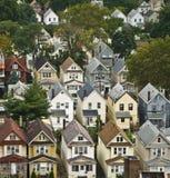 Casas suburbanas da costa leste Fotos de Stock Royalty Free