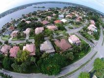 Casas suburbanas em Florida foto de stock royalty free