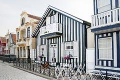 Casas típicas de la Nova de la costa, Aveiro, Portugal. Imagen de archivo