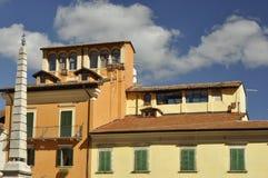 Casas típicas en la central Italia de Tagliacozzo Foto de archivo libre de regalías