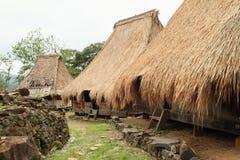 Casas tradicionales en museo al aire libre en Wologai Imagen de archivo libre de regalías