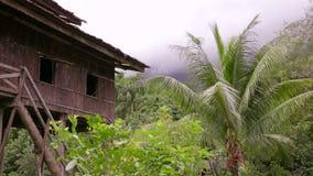Casas tribales de Borneo almacen de metraje de vídeo