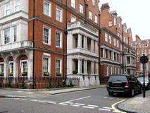 Casas urbanas elegantes de Londres Imágenes de archivo libres de regalías