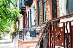 Casas urbanas en hileras de NYC Imagen de archivo