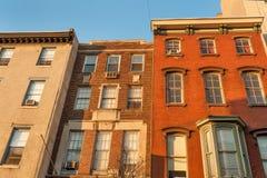 Casas urbanas viejas coloridas Foto de archivo