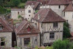Casas velhas, casa metade-suportada, épocas medievais, mistura de pedra e madeira muito típica do tempo imagem de stock