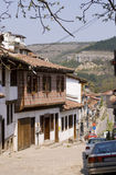 Casas velhas da opinião da cidade fotos de stock