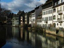 Casas velhas e reflexão Foto de Stock Royalty Free