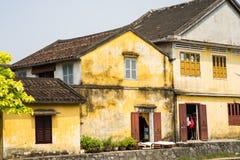 Casas velhas na cidade antiga de Hoi An, província de Quang Binh, Vietname Hoi An é local do UNESCO imagem de stock royalty free
