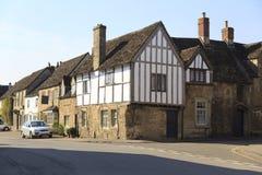 Casas velhas na vila de Lacock, Wiltshire fotografia de stock
