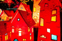 Casas vermelhas da lanterna do Natal Foto de Stock Royalty Free