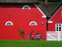 Casas vermelhas escandinavas Foto de Stock