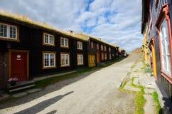 Casas viejas en Røros/Roros Foto de archivo libre de regalías