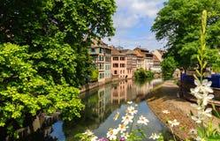 Casas viejas hermosas en Estrasburgo, Francia foto de archivo