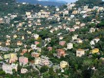 Casas y acantilados de ciudad de Camogli Fotografía de archivo libre de regalías