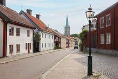 Casas y catedral coloridas. Linkoping. Suecia Imagenes de archivo