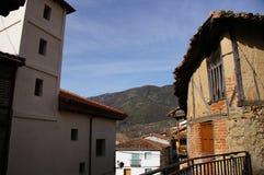 casas y montaña en Guijo foto de archivo libre de regalías